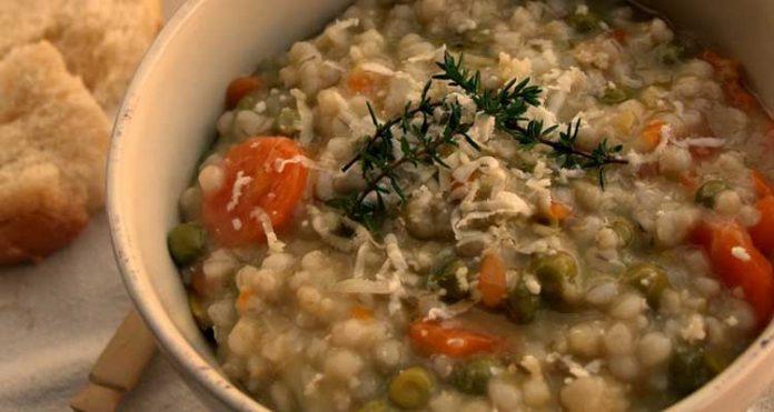 zuppa di orzo e verdure