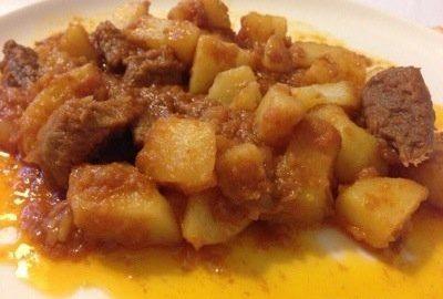 Ricetta Spezzatino Estivo.Ricetta Spezzatino Manzo Patate E Paprika Cucina Con Benedetta