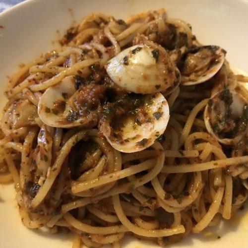 Spaghetti alle vongole piccanti