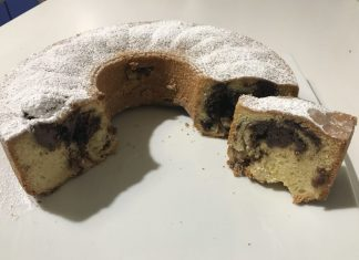 Ciambella con nutella e yogurt