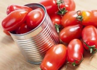 Passata casalinga con pomodori pelati