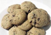 Biscotti con gocce di cioccolato